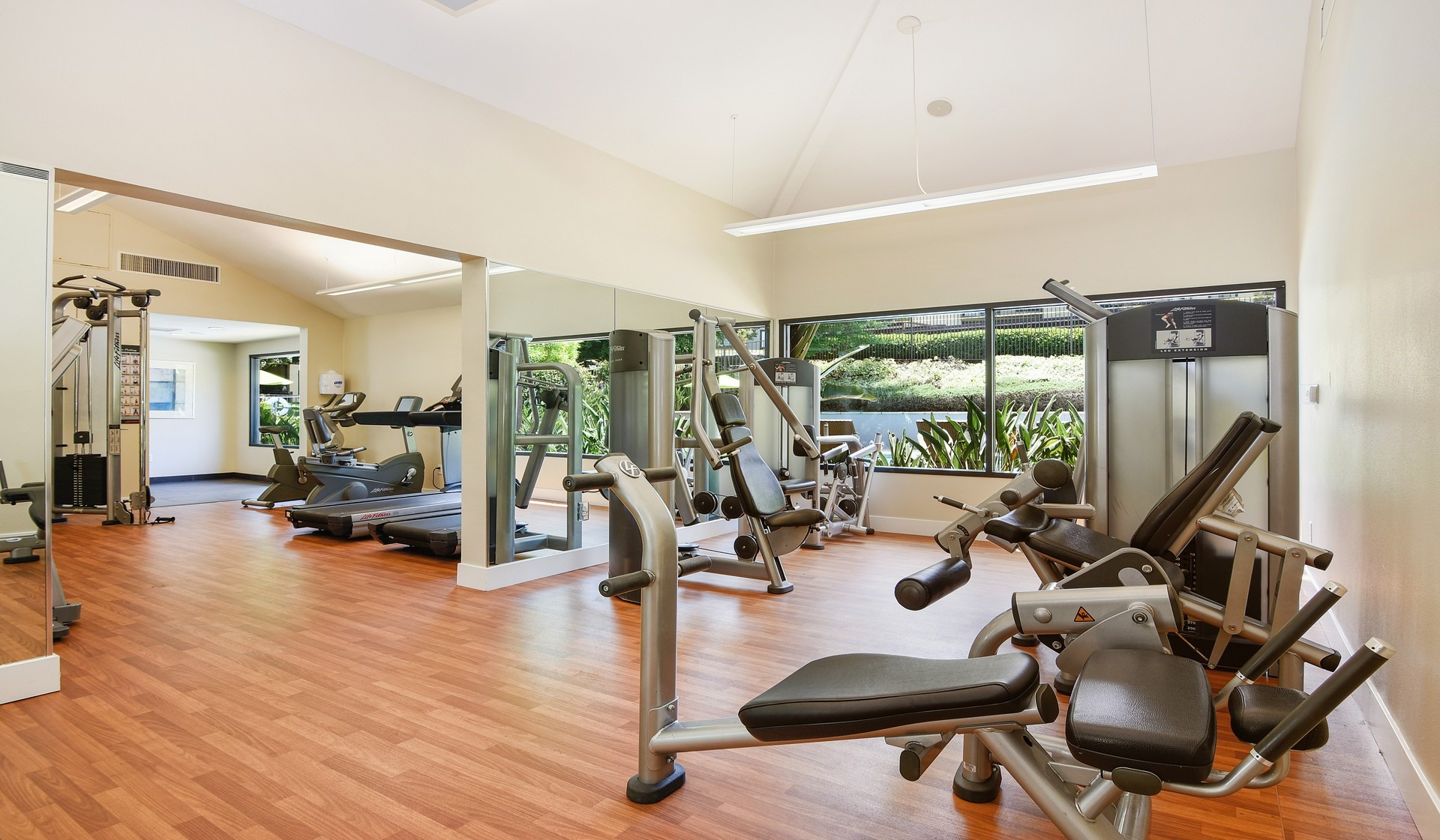 Hidden Cove Apts - gym